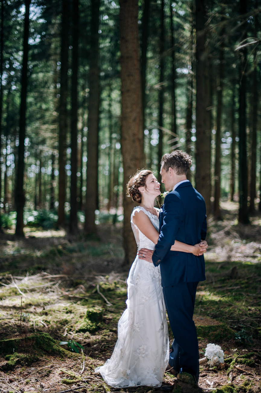 Daniel and Lottie_AndStory_HighCliffCastle_wedding-129